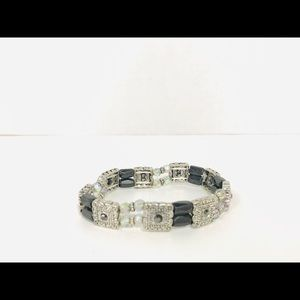Jewelry - Magnetic therapy bracelet